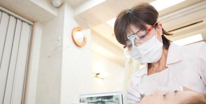当院の副院長は女性ドクターです。女性ならではの柔らかな対応、細やかな視点で、歯の美しさについてアドバイスいたします。